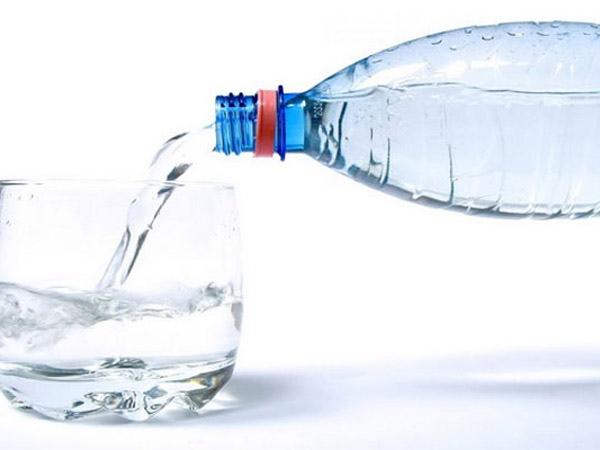 Mineralnaya-voda-ot-izzhogi.jpeg