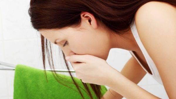 Болит-спина-и-тошнит-600x338.jpg