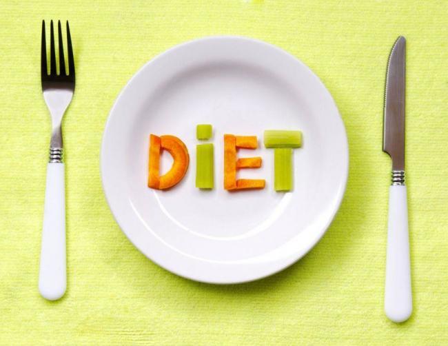 pri-otrizhke-soblyudaite-dietu.jpg