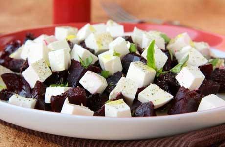 dieta-posle-udalenija-zhelchnogo-puzyirja-salat.jpg