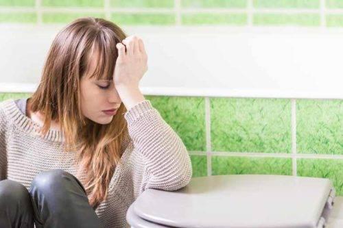 Grypa-zoladkowa-przypomina-zatrucie-pokarmowe.-Jak-leczyc-jelitowke_article-e1526579780934-500x333.jpg