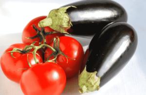 sladkij-pomidor-baklazhan-min-300x196.png