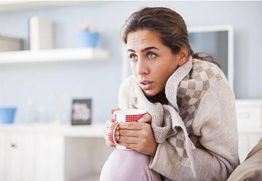 Понос без температуры и озноб, кашель, слабость: причины поноса у взорслых без температуры