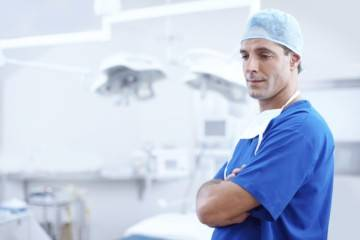 Какой врач лечит кишечник и желудок у взрослых?