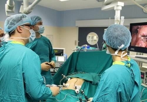 Vrachi-delayut-laparoskopiyu-1.jpg