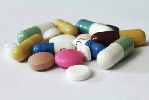 Lechenie-zheludochno-kishechnogo-trakta-lekarstvennymi-preparatami-i-narodnoj-medicinoj-4-1-500x334.jpg