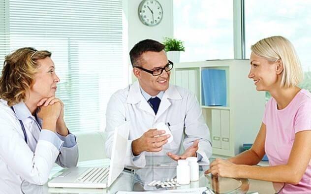Женщина у врача: 6 недель беременности
