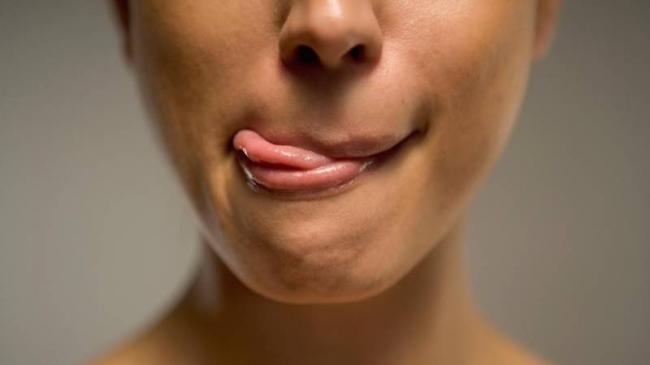 lip-irritation_0c1104ee-3edd-47e6-9dc7-fd4a76c1d8bb.jpg